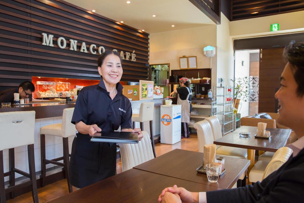 【MONACO M'sガーデンカフェスタッフ募集】素敵な笑顔で接客できる方歓迎!
